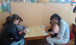 Весело е с мама и за най-малките деца от яслите в деня на отворените врати! - 03 - ДГ Иглика - Пещера