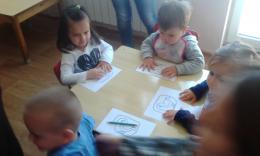 Весело е с мама и за най-малките деца от яслите в деня на отворените врати! - 05 - ДГ Иглика - Пещера