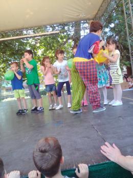 Честит празник първи юни, мили деца! - 01 - ДГ Иглика - Пещера