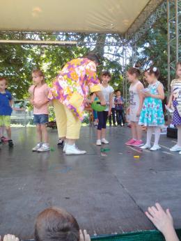Честит празник първи юни, мили деца! - 04 - ДГ Иглика - Пещера